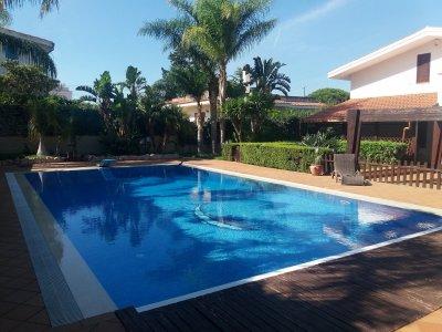 VENDESI VILLA CON PISCINA - 與游泳池出售的別墅