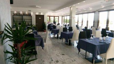 RISTORANTE PIZZERIA IN VILLA PRESTIGIOSA - 餐廳和比薩餅店位於著名的別墅內