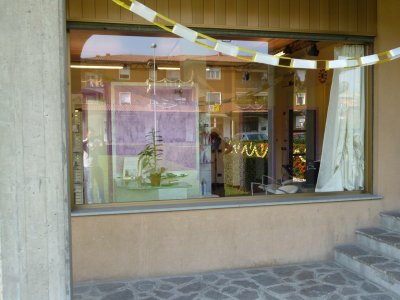 NEGOZIO PARRUCCHIERE - 我賣美髮師