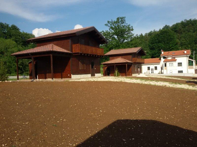 VENDO N° 3 COTTAGE IN LEGNO - 我賣N°3木製小屋