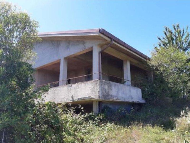 Falconara Marittima (AN) – Edificio con corte, abitazione, terreni - Falconara Marittima(AN)-帶有庭院,房屋,土地的建築物